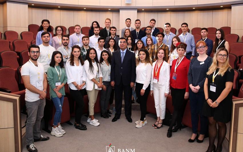 Bakı Ali Neft Məktəbində SPE-nin regional sammiti keçirilib