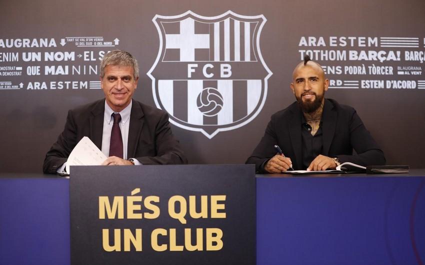 Барселона заключила с чилийским футболистом 3-летний контракт