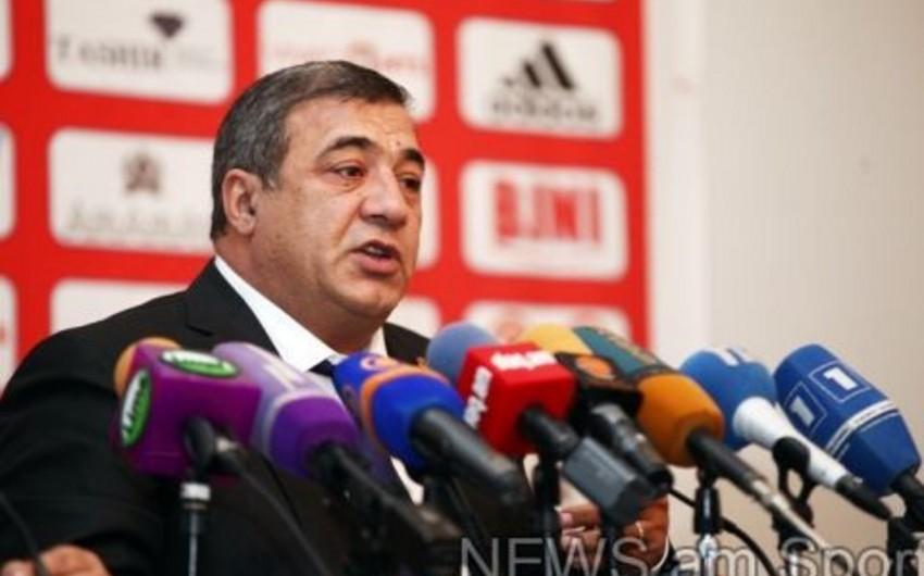 Ermənistan Futbol Federasiyasının prezidenti ilə erməni futbolçu arasında qalmaqal baş verib