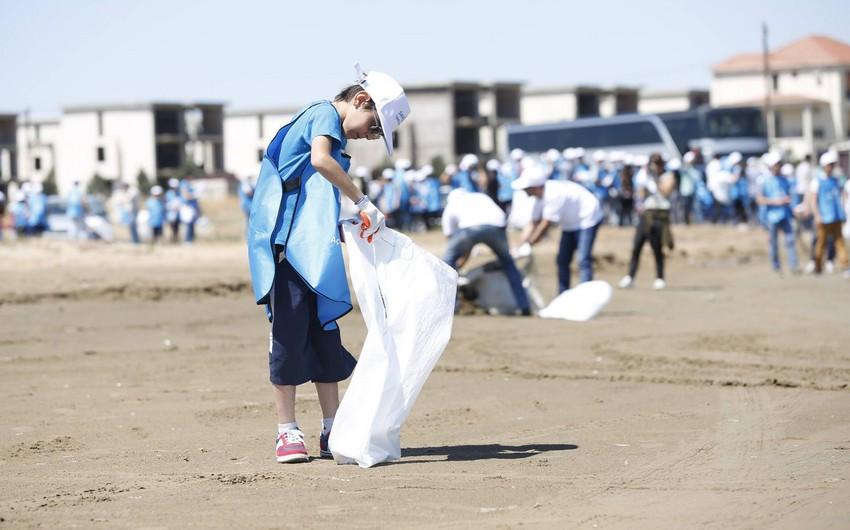 Beach clean-up campaign held in Azerbaijan