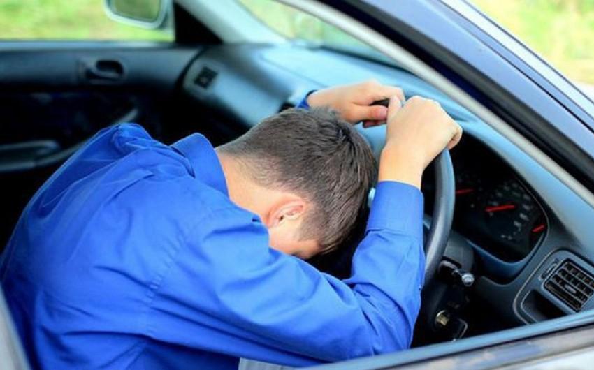 Füzulidə sükan arxasında infarkt keçirən sürücü avtomobili aşırıb