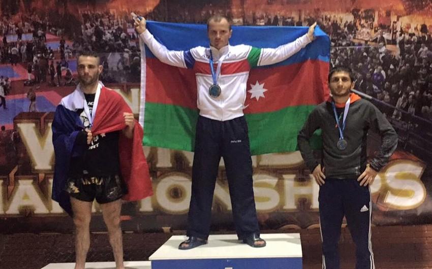 Eduard Məmmədov erməni rəqibini məğlub edərək 22-ci dəfə dünya çempionu olub